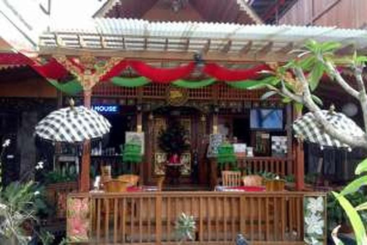 Bali House Resto dengan masakan cita rasa khas Bali di Kota Tomohon, Sulawesi Utara.
