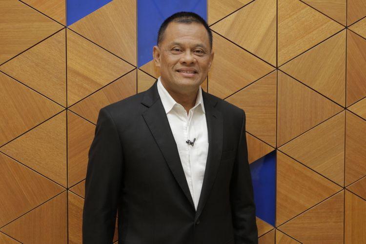 Jenderal TNI (Purn) Gatot Nurmantyo berpose sebelum menjadi narasumber di acara Satu Meja The Forum di studio satu Kompas TV, Menara Kompas, Jakarta, Senin (23/4/2018).