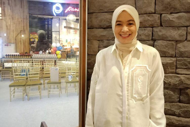 Pembawa acara berita Dian Ayu Lestari ketika ditemui di Pacific Place, Jakarta.