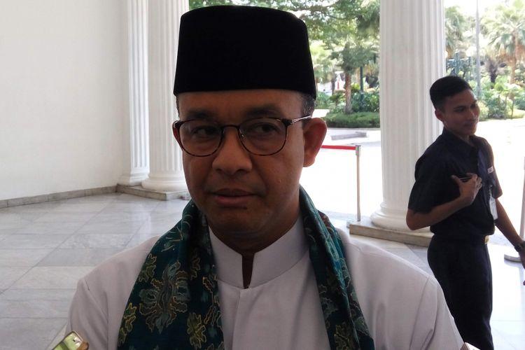 Gubernur DKI Jakarta Anies Baswedan saat diwawancarai di Balai Kota DKI Jakarta, Jumat (2/3/2018).