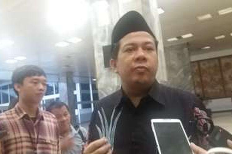 Wakil Ketua DPR Fahri Hamzah di Kompleks Parlemen Senayan, Jakarta, Selasa (19/4/2016)