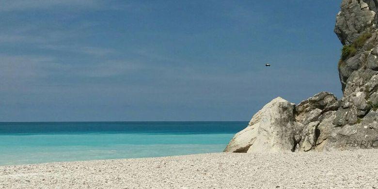 Pantai Ob di Kabupaten Timor Tengah Selatan (TTS), Nusa Tenggara Timur.