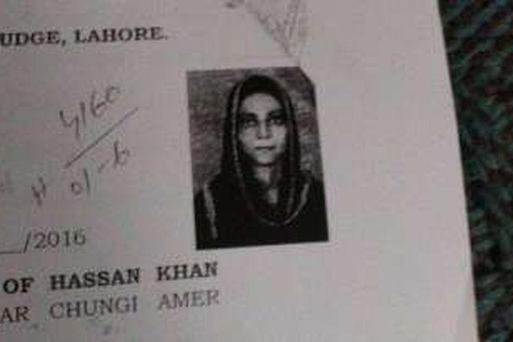 Foto Zeenat Rafiq yang terpasang di sertifikat pernikahannya. week