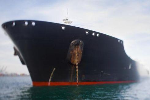 Ledakan Hebat di Kapal Tanker, 3 Orang Terluka