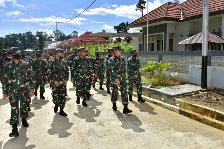 Kepala Staf Angkatan Laut (KSAL) Laksamana TNI Yudo Margono ketika melakuan kunjungan kerja ke Sorong, Papua Barat.