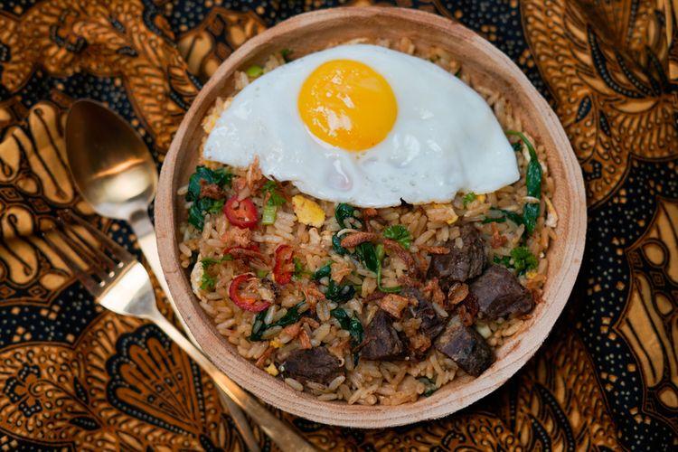 Ilustrasi nasi goreng rendang.
