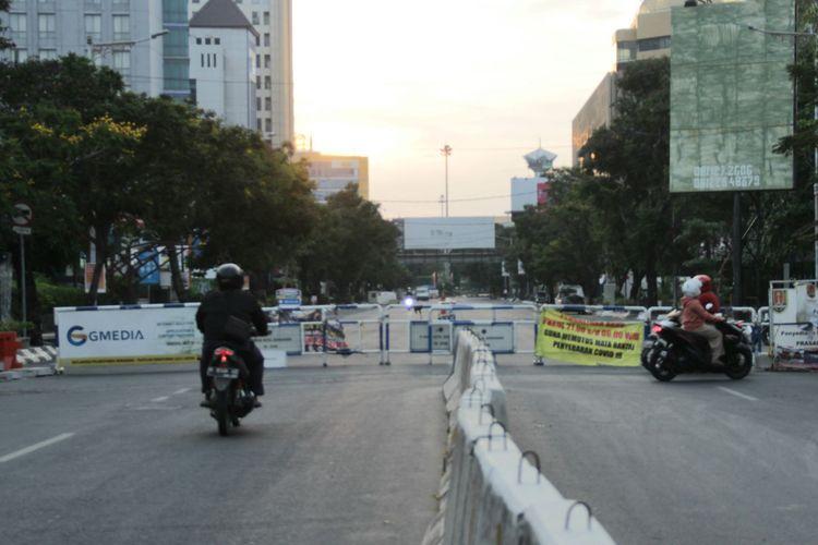 Penutupan ruas jalan arah Simpang Lima selama PPKM Level 4