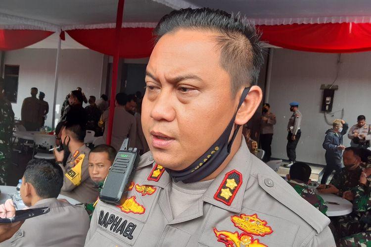 Kapolres Sragen, AKBP Raphael Sandhy Cahya Priambodo ditemui dalam acara Tactical Floor Game dalam rangka Sispamkota untuk Menghadapi Situasi Kontijensi (Konflik Sosial Dampak Wabah Covid-19) di Solo, Jawa Tengah, Selasa (2/6/2020).