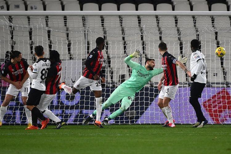 Laga Spezia vs AC Milan pada lanjutan pekan ke-22 Liga Italia yang berlangsung di Stadion Alberto Picco, Minggu (14/2/2021) dini hari WIB.