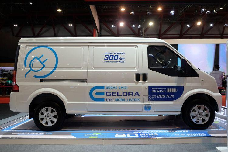 DFSK secara resmi telah meluncurkan DFSK Gelora E sebagai the first electric commercial vehicle untuk para pengusaha di Indonesia pada ajang Indonesia International Motor Show (IIMS) 20211.