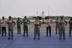 Panglima TNI Sematkan Brevet Wing Kehormatan Penerbang kepada 4 Pejabat Negara