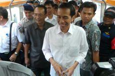 Naik KRL, Jokowi Tinjau Jalur Manggarai-Jatinegara