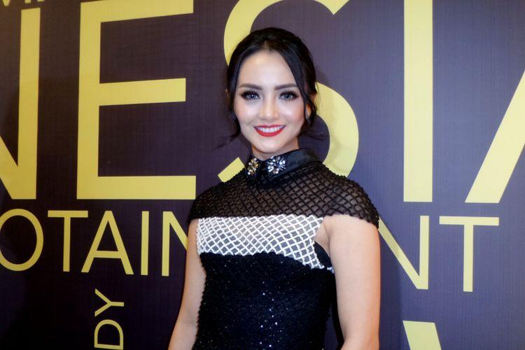 Artis peran Ririn Ekawati saat menghadiri acara Indonesian Television Awards 2017 di MNC Tower, Kebon Jeruk, Jakarta Barat, Rabu (20/9/2017).
