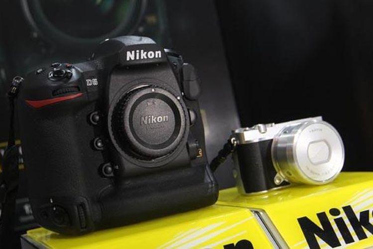 Nikon D5 dan Nikon 1 J5