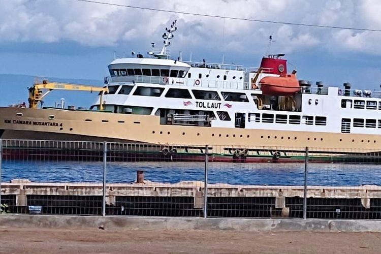 Kapal ternak di Pelabuhan Calabai, Nusa Tenggara Barat yang disediakan Direktorat Jenderal Perhubungan Laut Kemenhub untuk mendukung program tol laut.