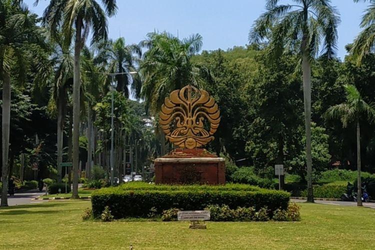 Tugu Makara Universitas Indonesia, Depok, Jawa Barat.