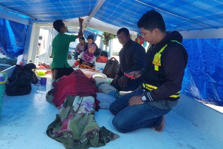 Borahima, penderita Liver asal Pulau Matalaang, Liukang Tangayya, Pangkep, meninggal dunia (17/04/2018) di kapal saat perjalanan saat dirujuk ke  Makassar