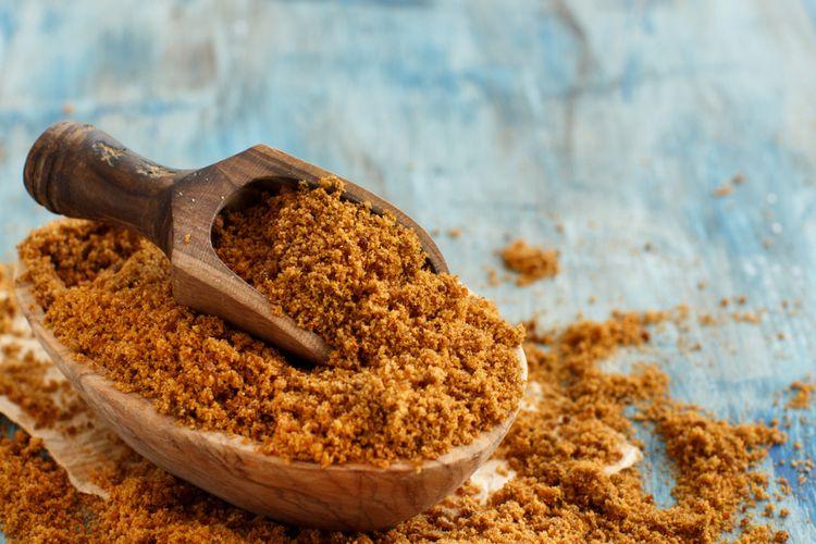Ilustrasi brown sugar terbuat dari gula putih ditambah molase.