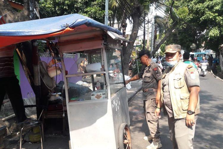 Penertiban PKL di Kawasan Senen, Jakarta Pusat,  Rabu (10/7/2019).