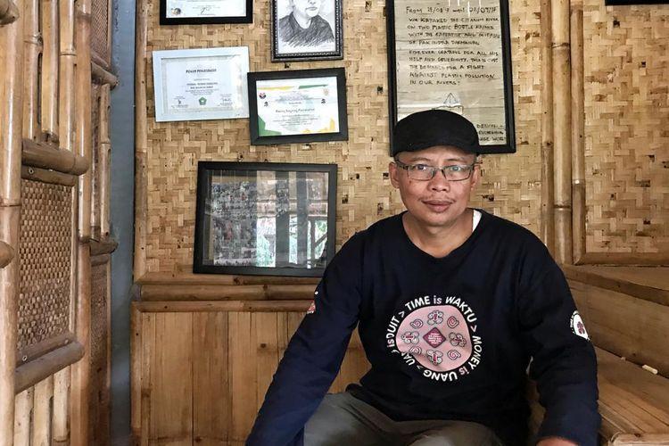 Pendiri Bening Saguling Foundation Indra Darmawan (48 tahun).