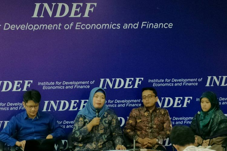 Diskusi Institute for Development for Economics and Finance (INDEF) terkait Utang Luar Negeri Indonesia bersama media di Kantor INDEF, Jakarta, Rabu (21/3/2018).