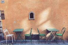 Cara Unik Bar dan Restoran di Italia Menyajikan Menu Melalui