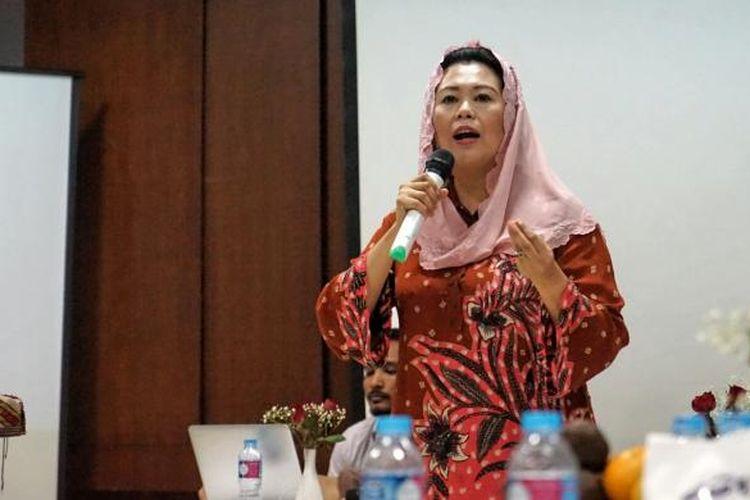 Direktur Wahid Foundation Yenny Wahid dalam sebuah diskusi di kantor Wahid Institute, Matraman, Jakarta Pusat, Kamis (22/12/2016).