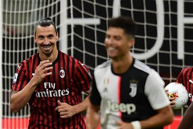Zlatan Ibrahimovic merayakan gol yang ia cetak dalam laga AC Milan vs Juventus pada lanjutan pekan ke-31 Liga Italia yang digelar di Stadion San Siro, Rabu (8/7/2020).