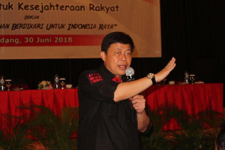 Alex Indra Lukman merupakan seorang caleg PDI Perjuangan yang maju dari daerah pemilihan (Dapil) Sumatera Barat I.