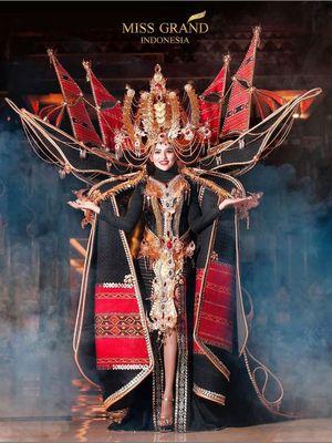 Salah satu kostum peserta Miss Grand International pada 2016