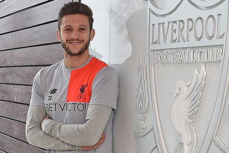 Adam Lallana menandatangani kontrak baru bersama Liverpool, Rabu (22/2/2017).