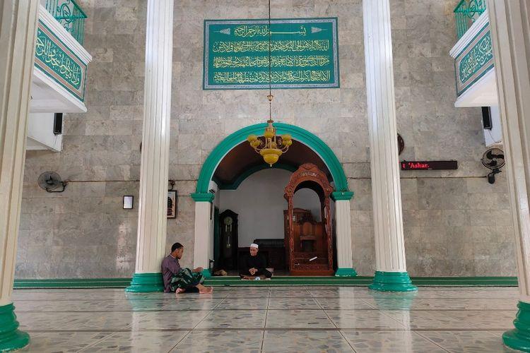 Suasana Masjid Raya Al-Ikhlas, Cilenggang, Serpong, Tangerang Selatan, Minggu (9/5/2021)