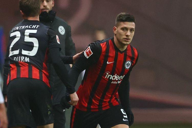 Luka Jovic menyumbangkan satu gol dalam kemenangan besar 5-1 Eintracht Frankfurt atas Arminia Bielefeld pada Minggu (24/1/2021).