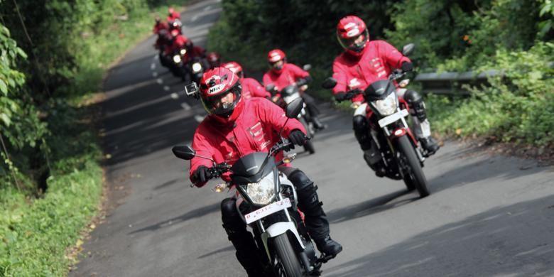 Ekspedisi Nusantara 2014 menggunakan Honda Verza, New  MegaPro FI dan CB150R StreetFire.