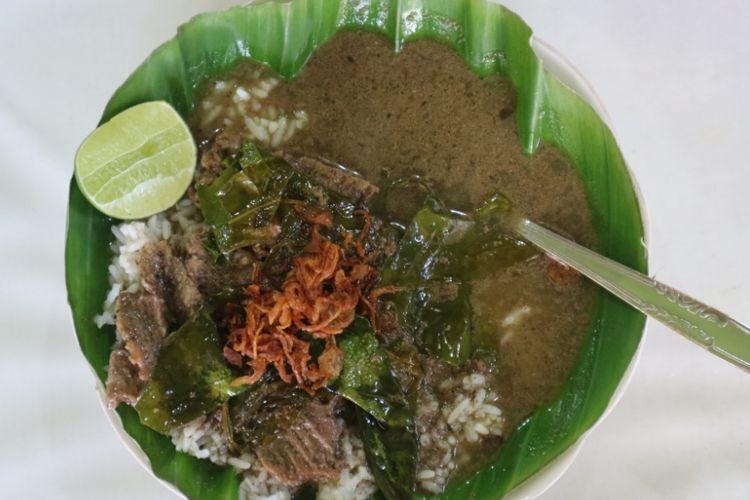 Kudapan nasi pindang khas Kudus, di kedai Nasi Pindang Kudus dan Soto Sapi di Jalan Gajahmada Semarang yang sudah ada sejak 1987, Kamis, (19/7/2018).