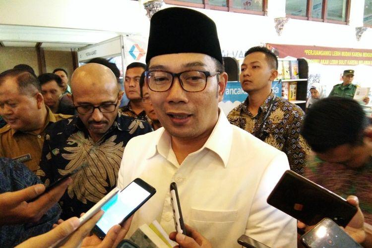 Gubernur Jawa Barat Ridwan Kamil saat ditemui usai membuka Pameran Buku Juara di Landmark, Jalan Braga, Kota Bandung, Selasa (6/11/2018).