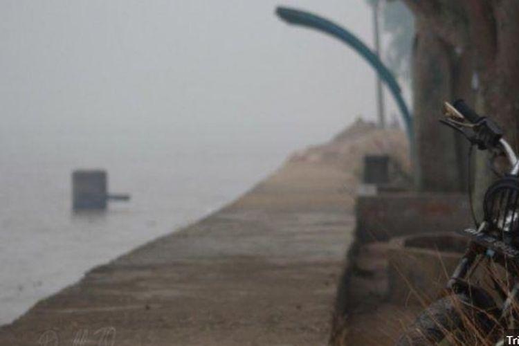 Kabut asap di Tanjung Jabung Timur, Jambi.