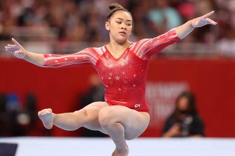 Pesenam Amerika Serikat, Sunisa Lee yang berhasil raih medali emas di Olimpiade Tokyo 2020. Gadis berusia 18 tahun ini akan menempuh pendidikannya di Auburn University.