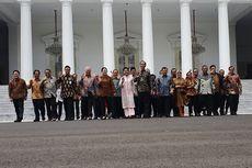 Gelar Acara Perpisahan, Jokowi-JK dan Para Menteri Berfoto di Tangga Istana