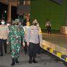 TNI-Polri Gelar Razia Selama PPKM, Pusat Perbelanjaan dan Warkop di Gresik Tutup Sesuai Aturan