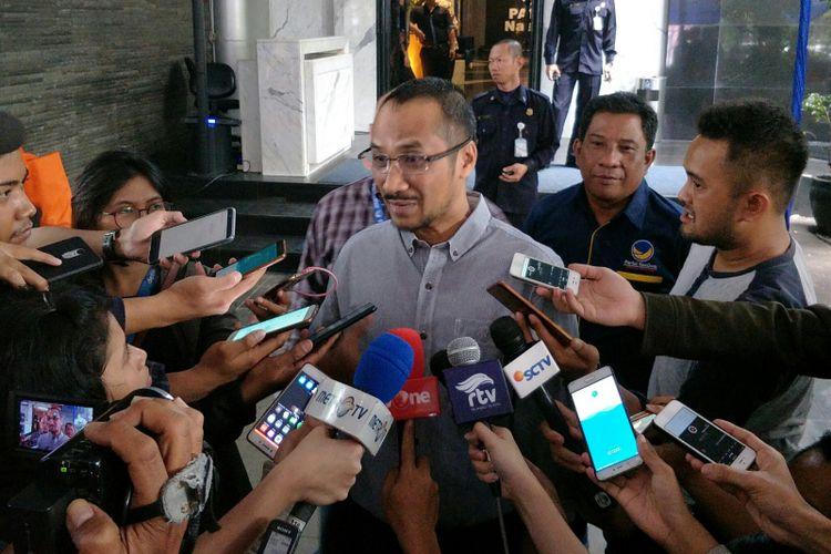 Abraham Samad di Kantor DPP Nasdem
