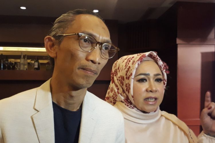 Anto Hoed dan Melly Goeslaw ketika dijumpai usai acara peluncuran trailer dan soundtrack film Kartini di Djakarta Theater XXI, Jakarta Pusat, Selasa (21/3/2017).
