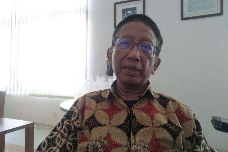 Ketua Satgas Covid-19 Ikatan Dokter Indonesia (IDI) Zubairi Djoerban di Kantor IDI, Jakarta Pusat, Jumat (13/3/2020)