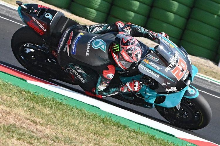 Fabio Quartararo saat balapan di MotoGP Emilia Romagna. (Photo by ANDREAS SOLARO / AFP)