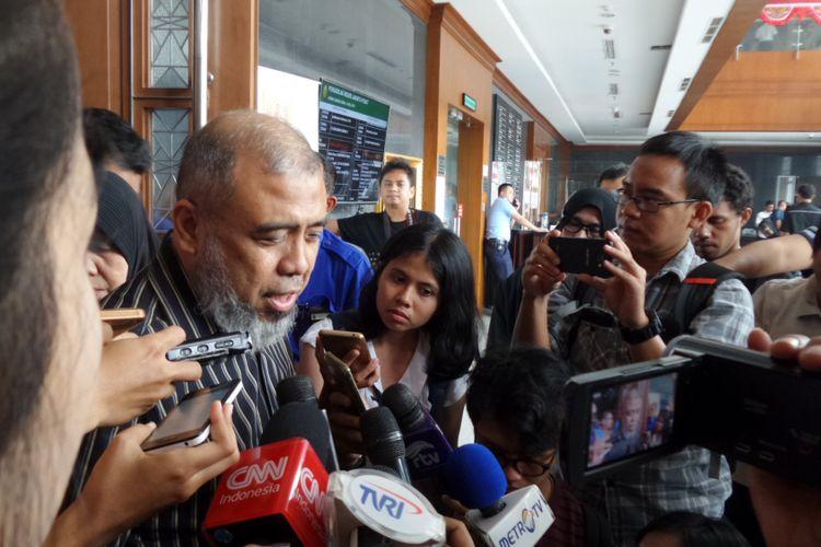 Mantan Hakim Konstitusi, Patrialis Akbar, di Pengadilan Tipikor Jakarta, Senin (14/8/2017).