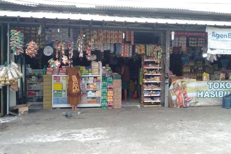 Lokasi perampokan warung di kawasan Ciracas, Jakarta Timur, Selasa (4/8/2020).