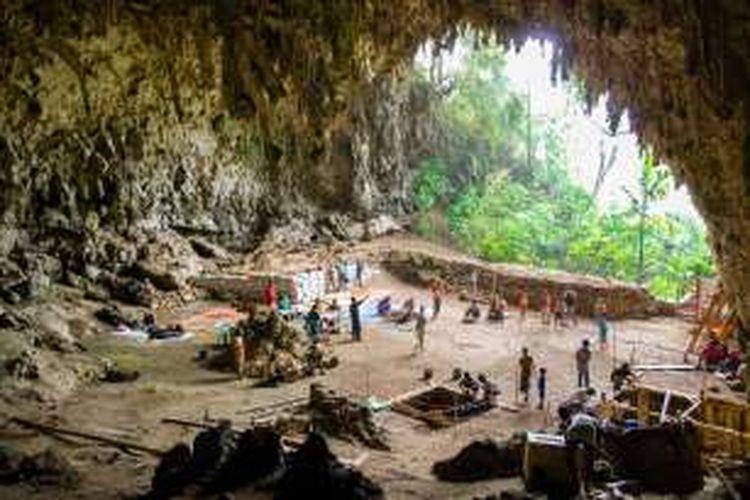 Kegiatan ekskavasi untuk mengungkap misteri The Hobbit dari Liang Bua, Flores.