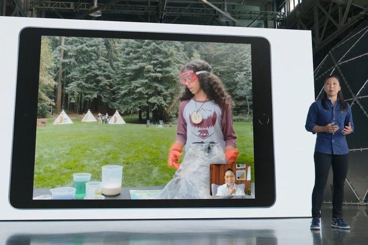 Ilustrasi fitur Center Stage di iPad generasi terbaru.