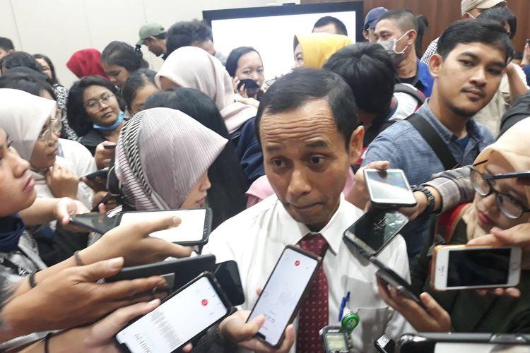 Direktur Jenderal Pencegahan dan Pengendalian Penyakit Kementerian Kesehatan, Anung Sugihantono, di Gedung Kemenkes, Jakarta Selatan, Senin (27/1/2020).(Kompas.com/Fitria Chusna Farisa)