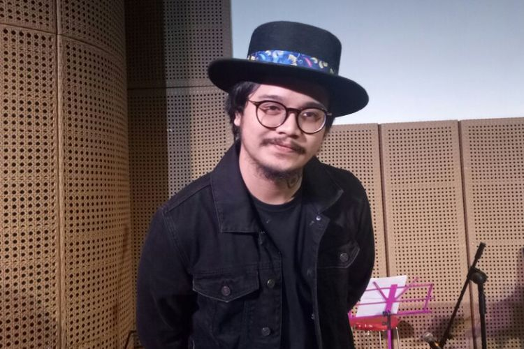 Derby Romero berpose usai konferensi pers Petualangan Sherina di Galeri Indonesia Kaya, Grand Indonesia, Jakarta Pusat, Kamis (3/8/2017).